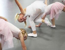 Danslek2